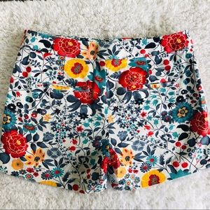 LOFT Shorts - ☘️3/$30- Loft White & Floral Shorts Size 00